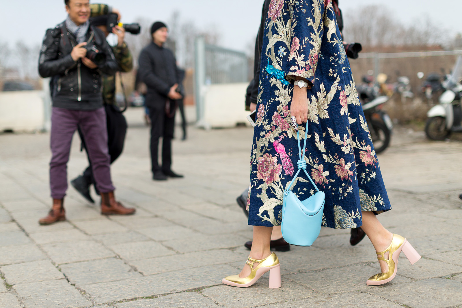 hbz-street-style-trends-fall-2016-robe-time-04