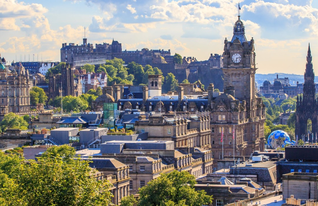 The chic traveler's guide to Edinburgh