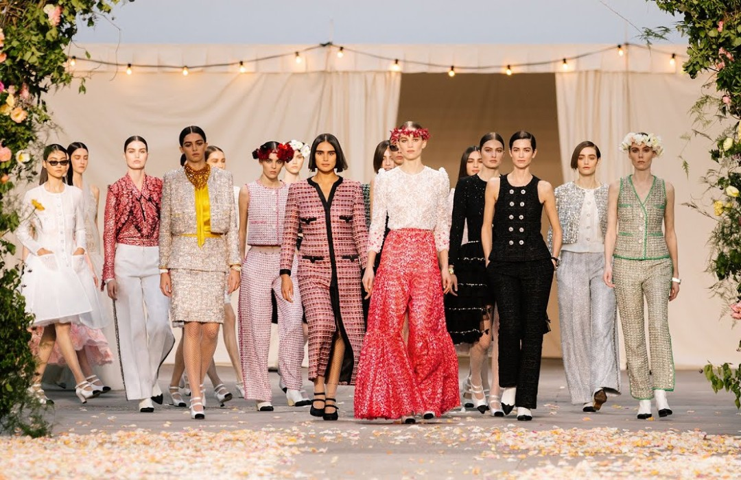 Warmth, tenderness and cheer – Chanel Haute Couture Show Spring/Summer 2021